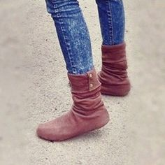 Can't decide if I like this or not…may try it one day: DIY boots from a hoodie!