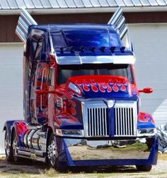 """Transformers 4 Age of Extinction """"Optimus Prime"""" truck.. What a beauty!!!"""