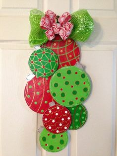 Ideas for Christmas decorations make your own for a wonderful party atmosphere - Weihnachten - Grinch Christmas, Christmas Wood, Christmas Projects, Christmas Holidays, Christmas Door Decorations, Christmas Wreaths, Christmas Ornaments, Christmas Lights, Holiday Crafts