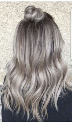 Vanessa Castro ( from NYC says she is obsessed with doing hair Ash Blonde Hair Castro extraglossy Hair NYC obsessed Vanessa Silver Blonde Hair, Blonde Hair Looks, Balayage Hair Blonde, Ombre Hair, Ash Blonde Hair With Highlights, Ash Blonde Hair Dye, Ash Balayage, Grey Blonde, Bayalage