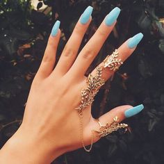 We Heart It yoluyla görsel #accessories #art #beauty #blue #bluenails #cool #designs #fashion #girls #hands #nailpolish #nails #rings #style #summer #tumbrl #perfect