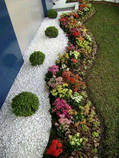 Super tipy na zpestření zahrady díky bílému štěrku nebo kamenní | Moojo