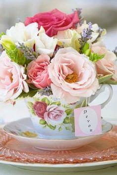 Teacup Bouquet by kara