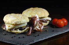 Panino con calamaro grigliato, radicchio saltato al balsamico e pecorino romano