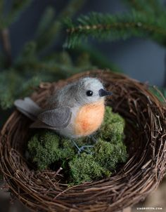 DIY Felted Robin Bird from MichaelsMakers Lia Griffth