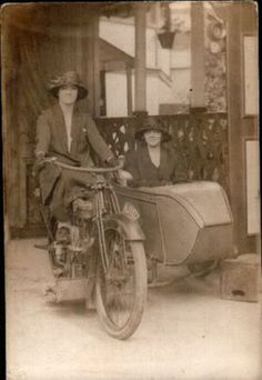 Classic Motorcycle – Interesting Vintage Photos of Badass Women Riding on Sidecars