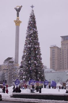 Christmas in Kiev, Ukraine. I would do anything to go back there for this time of year!