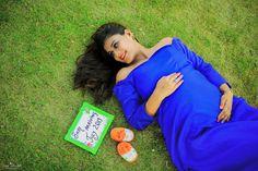Studio Maternity Photos, Maternity Photography Outdoors, Couple Photography Poses, Maternity Pictures, Couple Pregnancy Photoshoot, Maternity Dresses For Photoshoot, Maternity Poses, Pregnancy Pics, Wedding Photoshoot