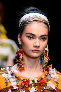 Dolce & Gabbana at Milan Spring 2013 (Details)