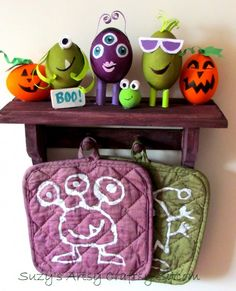10 of the best Halloween DIY projects from the Sitcom!  Lots of fun Halloween projects and recipes!