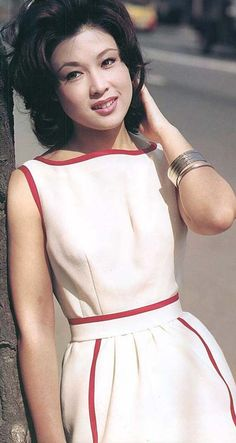 vintage everyday: One of the Most Beautiful Japanese Actresses Ever – Stunning Vintage Photos of Ayako Wakao in the Japanese Beauty, Japanese Girl, Japanese Culture, Asian Woman, Asian Girl, Singer Fashion, Fashion Catalogue, Classic Beauty, Beautiful Actresses