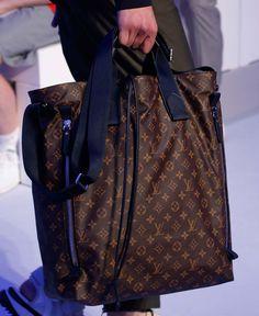 At Louis Vuitton's Spring 2016 Men's Show, the Bucket Bags Weren't Just for Women Mens Handbags, Tote Handbags, Louis Vuitton Handbags, Louis Vuitton Monogram, Bucket Bags, Men's Bags, Spring 2016, Leather Men, Menswear