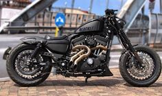 "Harley-Davidson XL 883 Sportster Iron | Cut-off fender struts | 18"" wheels 