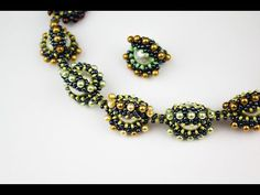 Russian but clear enough ~ Seed Bead Tutorials