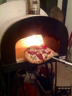 Baking in the #ZioCiro #SubitoCotto a good #pizza for the Amazing for the epiphany's witch #party