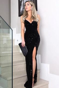 When you have all your girls looking glam in this evening dress, you are truely party day ready. Shop dismatched evening dress today at Ballbella.com. Sequin Evening Dresses, Evening Gowns, Cheap Maxi Dresses, Prom Dresses, Dress Prom, Dress Wedding, Womens Swing Dress, Robe Swing, Plus Size Party Dresses