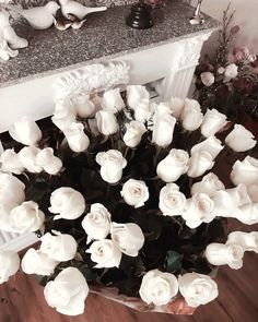 Pretty white roses at the farmers market flower market. Spring white roses perfect for a flower arrangement or wedding bouquet. My Flower, Fresh Flowers, Beautiful Flowers, White Roses, White Flowers, Red Roses, Tumblr Flower, Whatsapp Wallpaper, No Rain