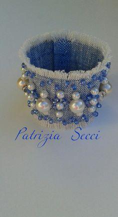 Bracciale polsiera in jeans ricami di perle e swaroski