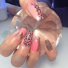 Pink coffin nails with cheetah design