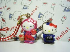 GOTOCHI HELLO KITTY JAPAN Region Tiny Figure Mascot Strap SET Sanrio SALE 3c : *condition* Unused (NO package, NO tag) Released by Sanrio JAPAN in 2004 (the left one)  2006 (the right one). 18.99-24.99 (3.80/3.90/4.90)