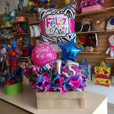 Valentines Gifts For Boyfriend, Boyfriend Gifts, Valentine Gifts, Cute Gifts, Diy Gifts, Valentine Baskets, Birthday Bouquet, Balloon Arrangements, Balloon Gift