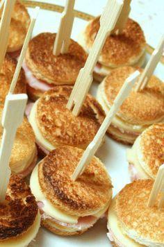 Croque Apero : Pour 16 mini croques ( a faire jambon fromage, foie gras , tomate mozzarella)