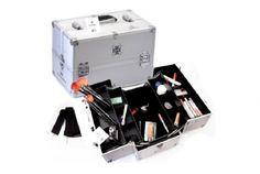 Este maletín Shany de aluminio plateado esta hecho para que dure! Con una construcción de alta calidad y aluminio mate. SHANY Cosmetics. Encuéntralo en www.shanycosmetics.com.mx