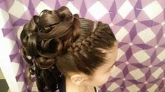 Peinado de niña Flower Girl Hairstyles, Little Girl Hairstyles, Braided Hairstyles, Wedding Hairstyles, Little Girl Updo, Peinado Updo, Communion Hairstyles, Girls Updo, Girl Hair Dos