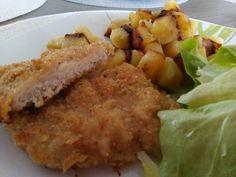 Sajttal töltött rántott karaj sütőben sütve Pork, Food And Drink, Meat, Chicken, Kale Stir Fry, Pork Chops, Cubs