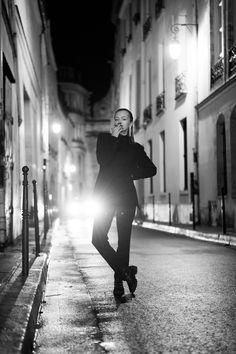 Photoshoot Paris - Paris photoshoot ideas - Paris photography - Paris photoshoot by night - Night photography Paris - Photoshoot Paris ideas - Metro station photoshoot ideas - Fashion photography Paris Paris Photography, Night Photography, Fashion Photography, Metro Station, Night Night, Paris Paris, Photoshoot Ideas, Concert, Prints