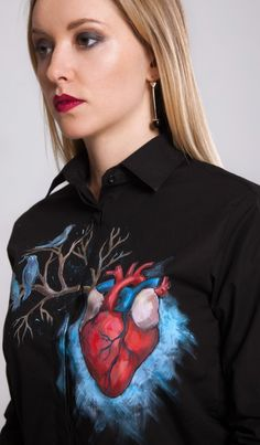 Handpainted unique clothing by Dariacreative - Handpainted Heart shirt by Dariacreative - Elegant Summer Outfits, Unique Outfits, Custom Clothes, Diy Clothes, Geek Fashion, Painted Clothes, Heart Shirt, Passion For Fashion, Sibling Photography