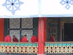 Monasterio de Rumtek, cerca de Kalimpong Gangtok, Himalaya, Valance Curtains, Home Decor, Socialism, The Forbidden Kingdom, Social Awareness, Viajes, Decoration Home