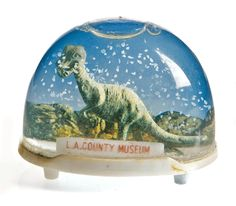 Vintage snow domes...yes please!  (Click through to see the animation....brilliant!)