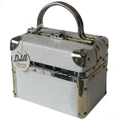 Shop our selection of vintage bags from the world's best fashion stores. Vintage Purses, Vintage Bags, Vintage Train Case, Best Handbags, Purse Styles, Cloth Bags, 1960s, Cool Style, Nostalgia