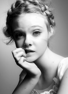 Elle Fanning by Steven Pan If you see this pin, go look at my 'αят' board. There is a drawing of this photo!