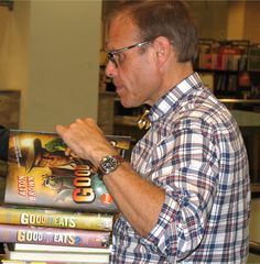 Alton Brown - one of the hosts of Food Network's Iron Chef with a pile of his books Alton Brown Diet, Get Healthy, Healthy Recipes, Iron Chef, Bariatric Surgery, Weight Loss Surgery, Food Network Recipes, Meal Planning, Men Casual