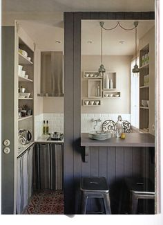 Kitchen. Small size. by Marianne Evennou