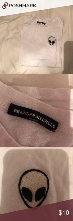 alien patch tee brandy alien shirt (barely worn) Brandy Melville Tops Tees - Short Sleeve