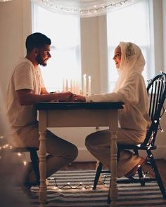 I love watching pictures of Halal Love / Cute Muslim Romantic Couples Photos holding hands and being happy. It makes me realize that true and meaningful love Cute Muslim Couples, Muslim Girls, Cute Couples Goals, Romantic Couples, Muslim Women, Wedding Couples, Romantic Weddings, Wedding Shoot, Wedding Card