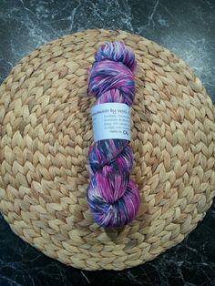 Handgefärbte Wolle, 100% Merino, High Twist, LL ca. 365m, 100g, türkis-pink in Möbel & Wohnen, Hobby & Künstlerbedarf, Garne & Strickwolle | eBay