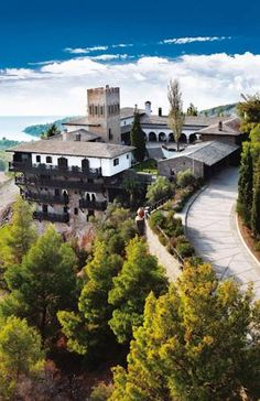 Porto Carras Villa Galini Neos Marmaras Built on a hillside among lush greenery with panoramic views over Toroneos Gulf, Porto Carras Villa Galini offers an outdoor pool along with a private beach area. A golf course and spa facilities can be found within the premises.