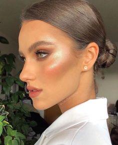 Best Contour Makeup, Best Contouring Products, Contouring Makeup, Eyeshadow Makeup, Eyeshadow Palette, Beauty Products, Makeup Products, Pink Lipstick Makeup, Makeup Shayla