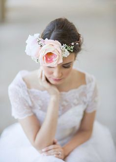 Hey, I found this really awesome Etsy listing at https://www.etsy.com/listing/207337318/big-flower-crown-bridal-headpiece-floral