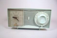 Motorola Tube Clock Radio Early 1960s