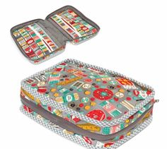 A free sewing project for advanced sewers for a sweet quilted sewing supply case. Full cutting and sewing instructions as well as instructions for creating the binding