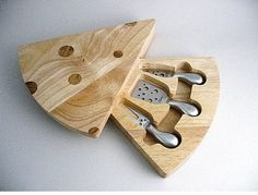 Picnic time swiss rubberwood bamboo cheese cutting board and knife set - wedge shaped, swivel style