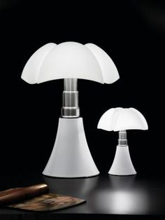 Pipistrello & mini-Pipistrello by Gae Aulenti for Martinelli luce Table Led, Light Table, Lamp Light, Design Museum, Milan Design, Diffused Light, Soft Light, Italian Style, Design Awards