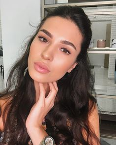 40 Best Natural Makeup Ideas For Women 2019 - Natural Make-Up - Gorgeous Makeup, Pretty Makeup, Perfect Makeup, Nude Makeup, Hair Makeup, Glow Makeup, Dead Makeup, Brunette Makeup, Maquillage Normal