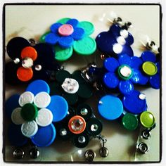 Medication Vial Flip Off Top Badges Circle Crafts, Cap Ideas, Nurse Badge, Nurse Stuff, Name Badges, Love My Job, Badge Holders, College Students, Tapas