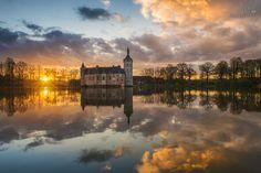 ***Sunrise at Horst castle by Stefan Cruysberghs (Belgium) 20